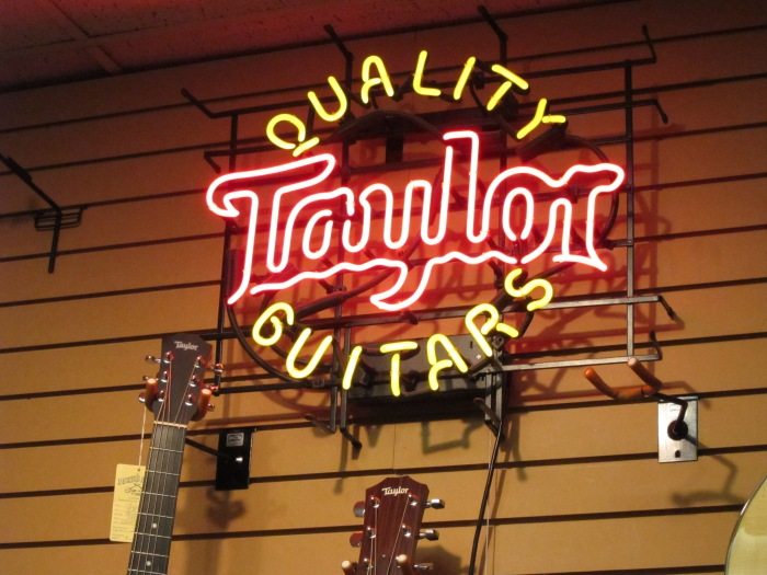 Quality_Taylor_Guitars_neon_sign